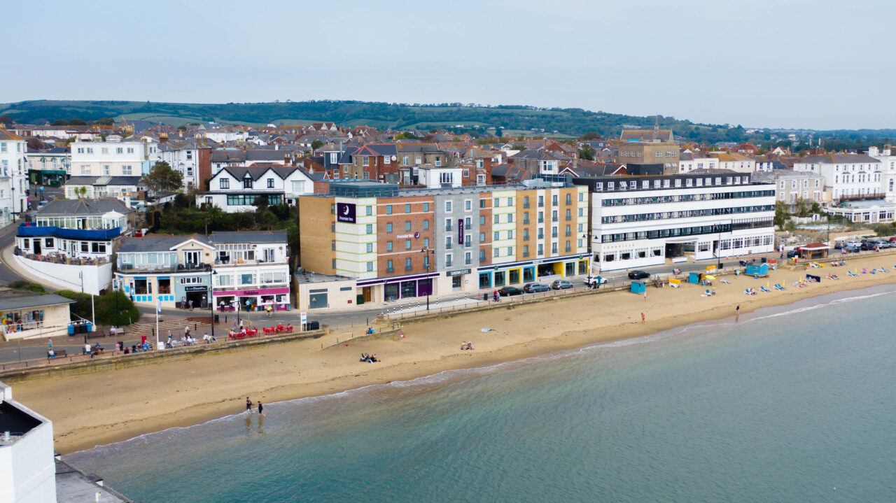 Premier Inn Sandown Seafront100 Bedroom Pi And Cookhouse Pubdronefebruary 2021